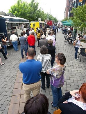 seattle food truck line