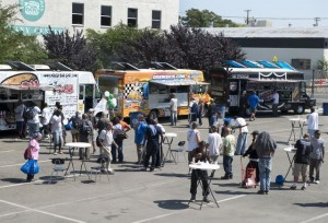 sacramento food trucks feed homeless