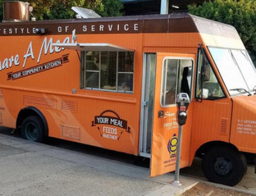 Los Angeles Food Truck Serving Burritos To Local Homeless