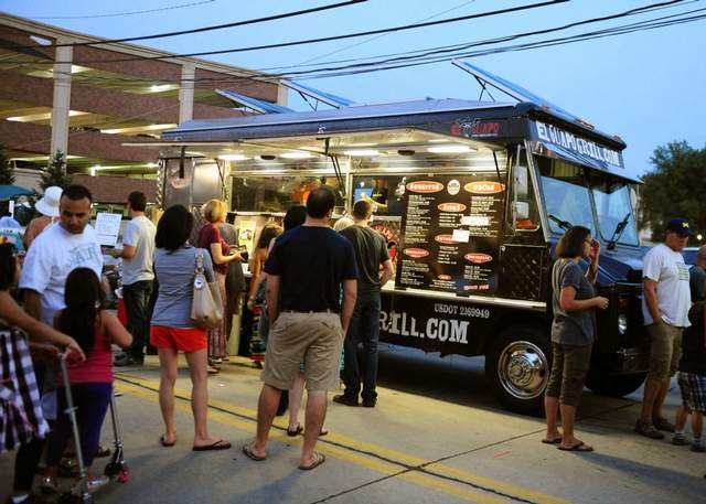Restaurants and food trucks face off in royal oak for Motor city towing detroit