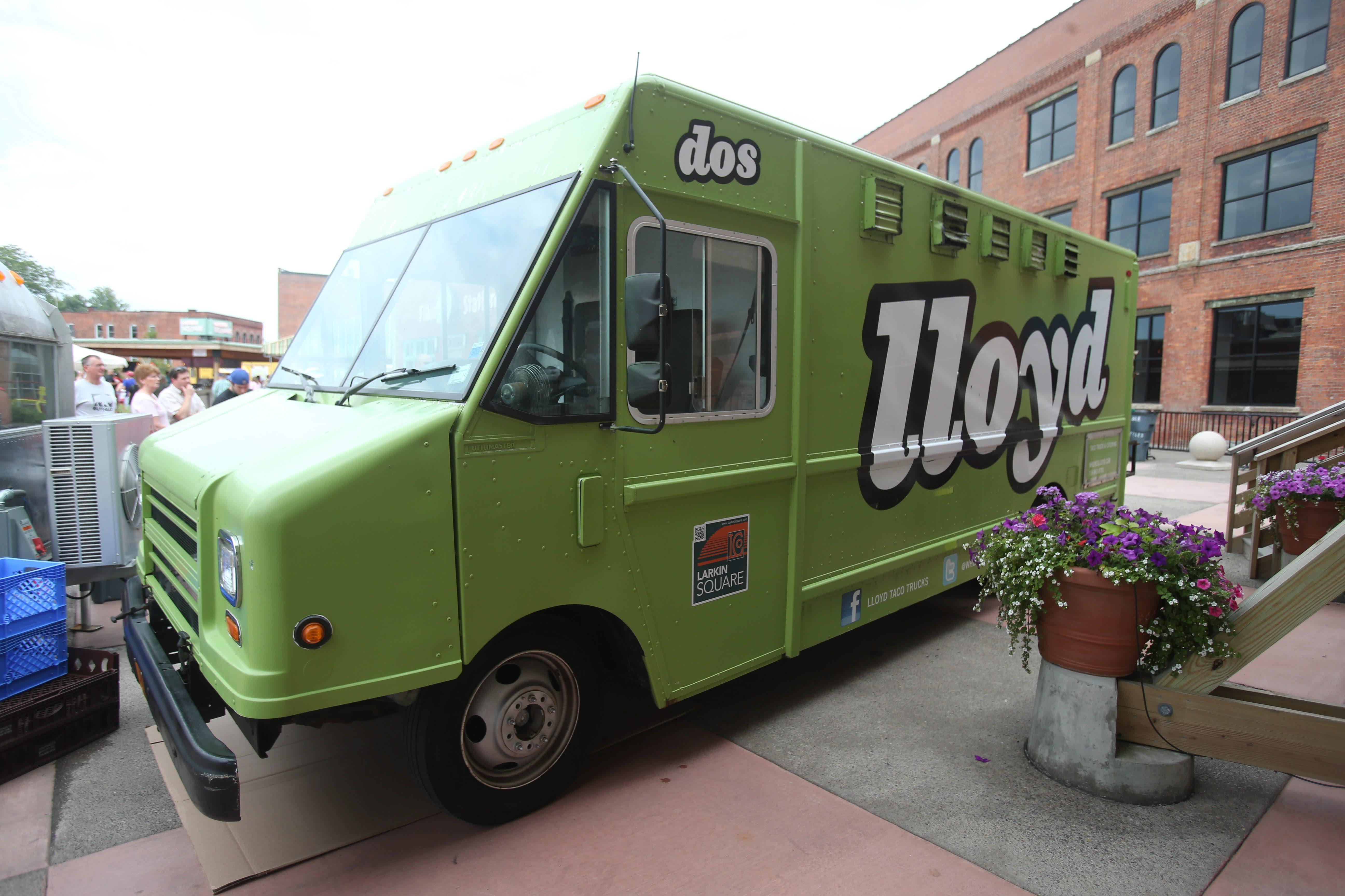 lloyd taco truck buffalo