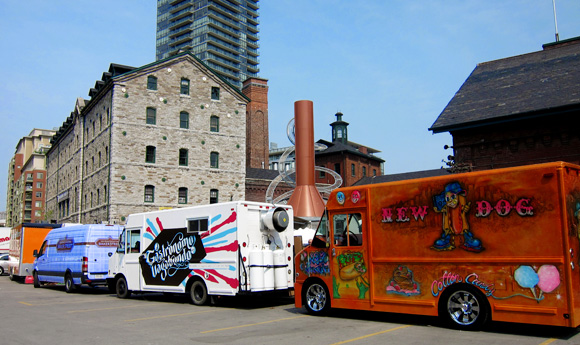toronto food trucks on street