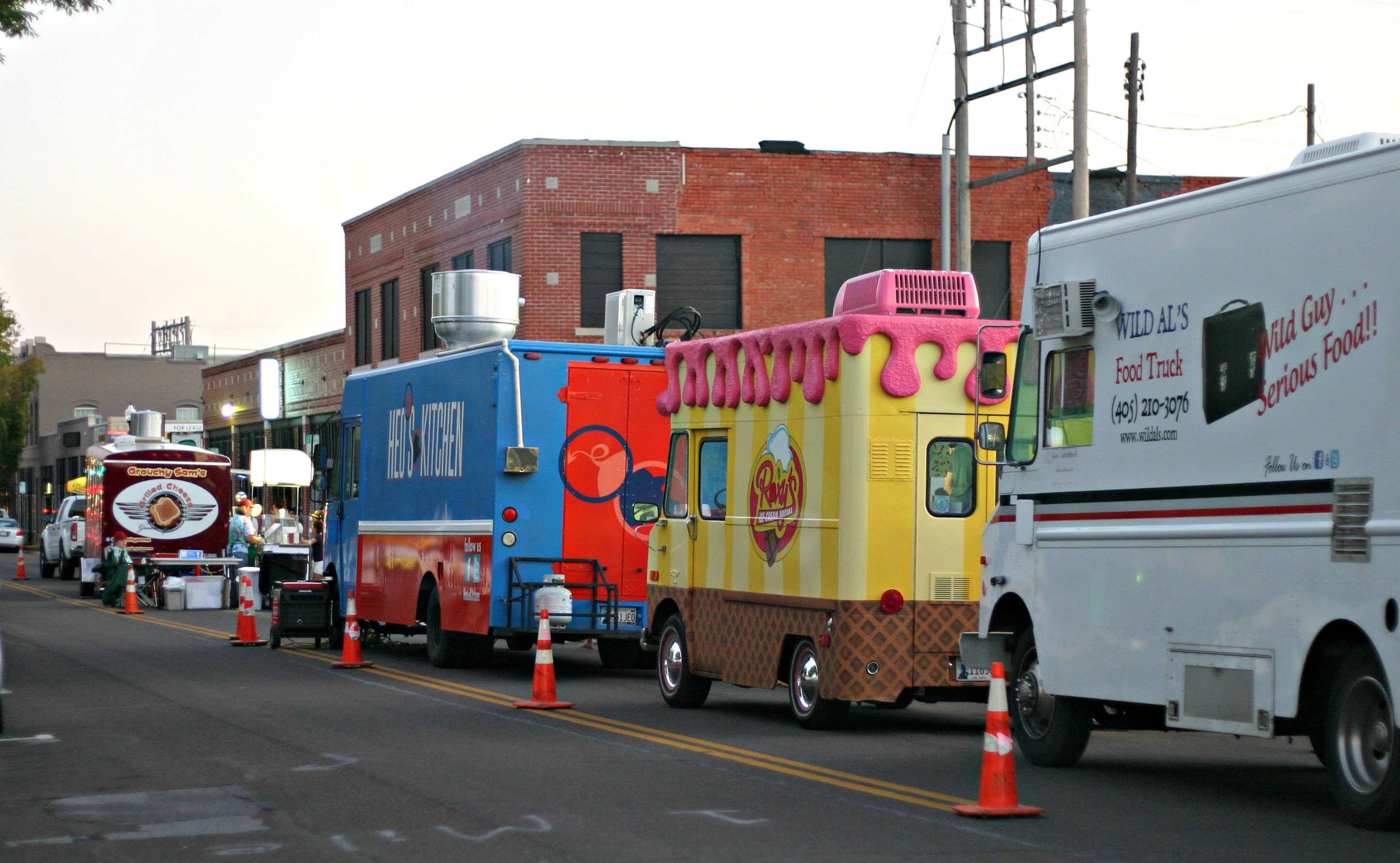 Food Trucks In Midtown Okc