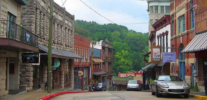 Eureka springs discusses changes to food truck laws for Arkansas cuisine